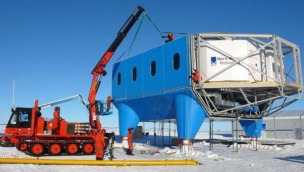 Antarctic-research-station-that-can-walk-3.jpg